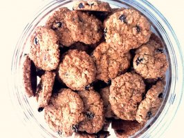 Oatmeal & Raisin Cookies